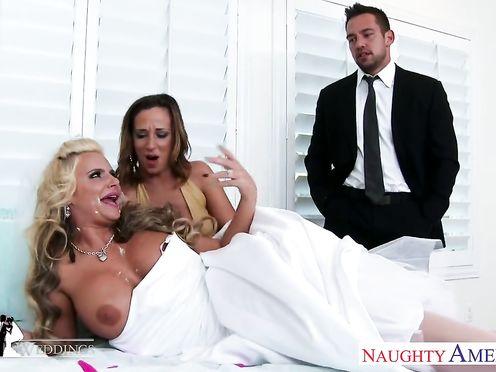 Невеста трахнулась с любовницей жениха перед свадьбой