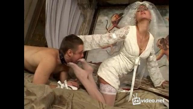 Жених трахает невесту блондинку