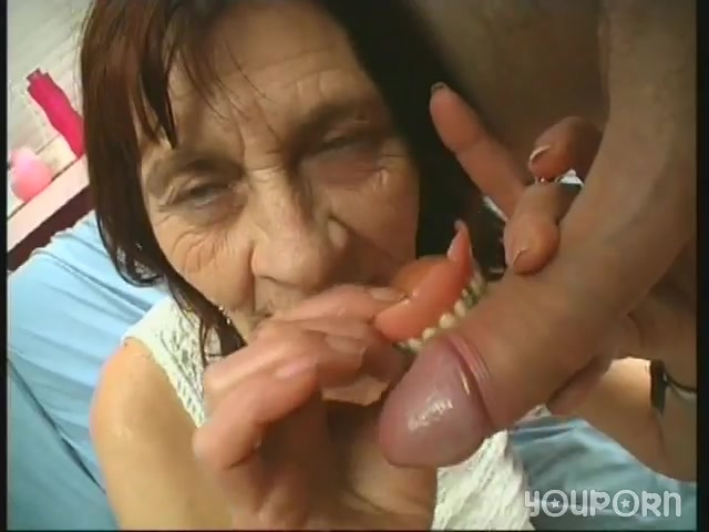Порно внук трахнул пьяную толстую бабушку