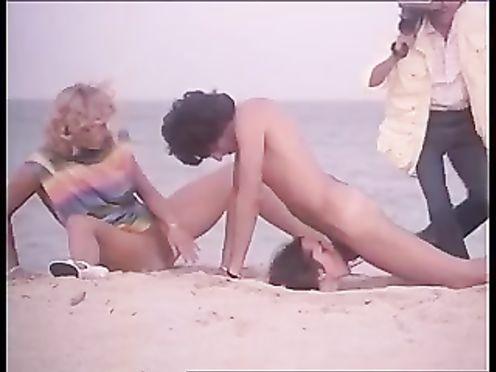 Ретро порно с хиппи на берегу океана