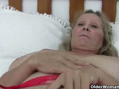 Крутое порно с сисятой бабушкой и ее внуком