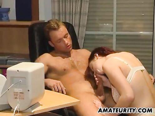 Начальник предложил секретарше стать любовницей и трахнул